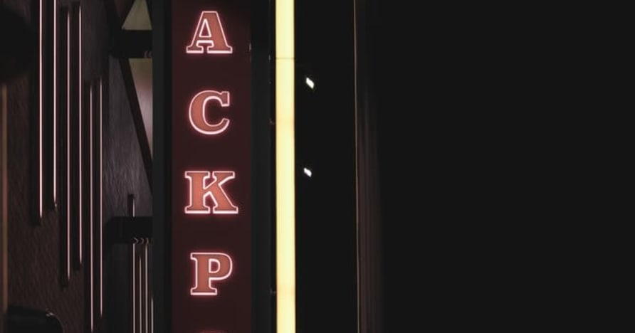 Tried and True Tips for Hitting More Video Poker Jackpots